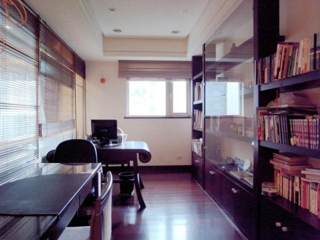 圓山皇裔鋼骨大樓,台北市士林區承德路四段