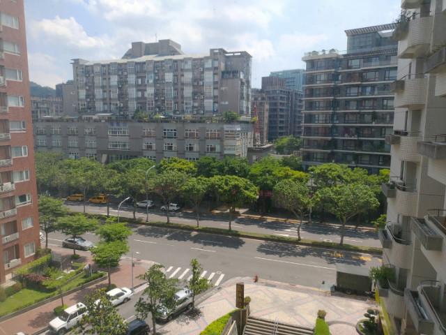 觀山河美妝大車位,台北市中山區明水路